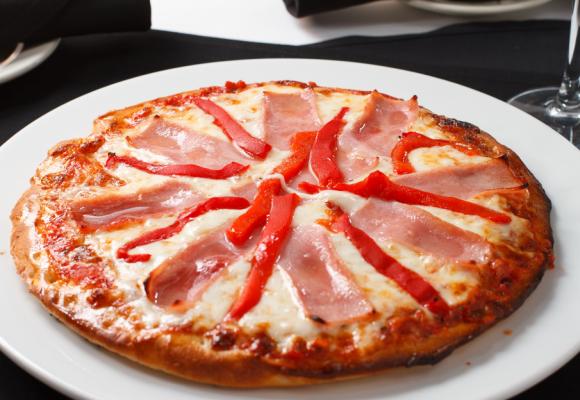 Pizza Jamon & Morrones