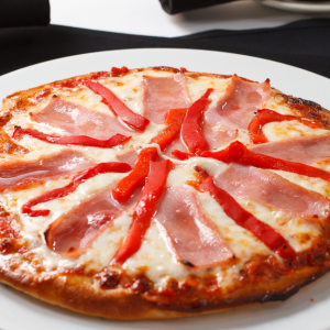 Pizza Jamon Morrones